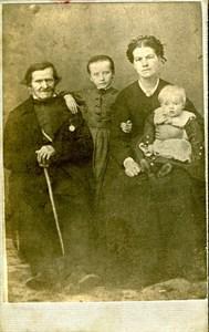 Mårten Jonasson med familj
