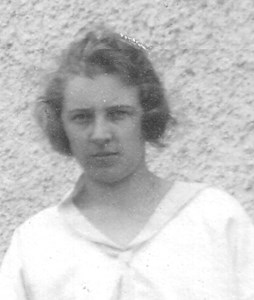 Ester Gardner lärare i Askome