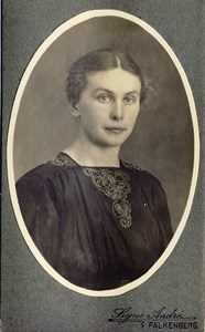 Berta Pettersson, Överås 105, Askome