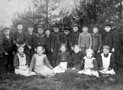 Askome 502, Gamla skolan, år 1908-09