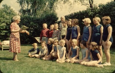 Askome 502, Gamla skolan, barngrupp från 1964.