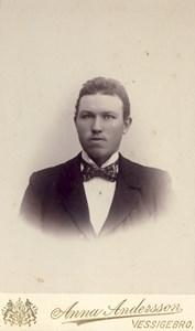 Albert Bramstång, Askome Jutagård 130.