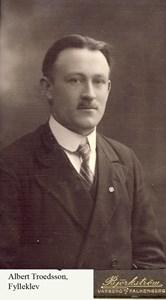 Albert Troedsson, Fylleklev 103.