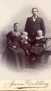 Johan och Fina Andersson med barnen Agnes och Oskar, Askome 538, Yttregård.