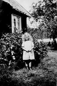 Vera Troedsson, fem år, Flathultet, Fylleklev