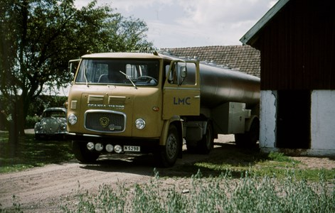 Mjölkbilen på Hede 224, år 1964