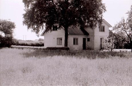 Hede 224, Askome. Bostadshuset på gården, fotograferat 1990.