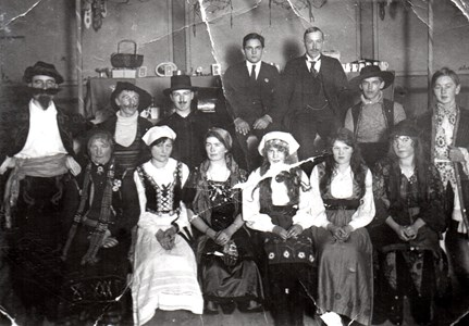 Maskerad i Aspö skola 1918-19