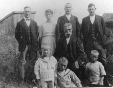Petter Klintberg med släktingar