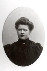 Thea Schön, g. Karlsson, Uddaskär