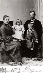 Familjen Karlsson-Uddén, Uddaskär.