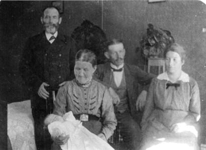 Tre generationer Nilsson-Gravin 1917.