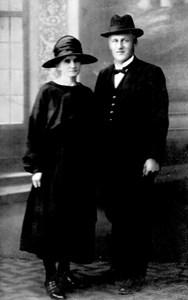 Skollärare Albert Johansson och hans hustru Greta.