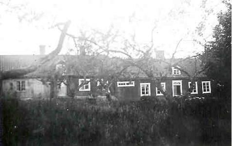 Forkarby nr 4-5 rusthåll.jpg (BHF 2047)