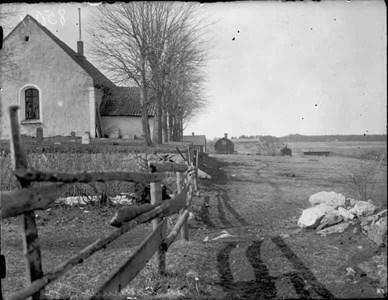 Bergshammars kyrka före utbyggnad av kyrkogården