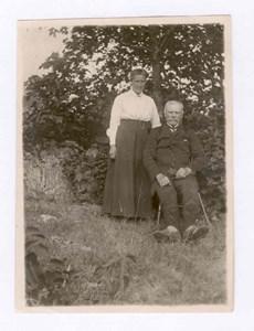 Soldaten Fredrik Stedt med dottern Mathilda