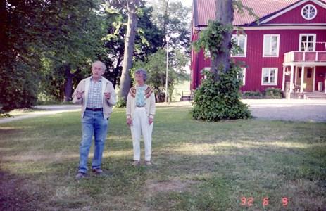 Lars och Birgit Aldén vid Väderbrunn