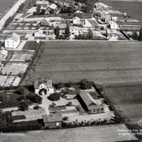 Flygbild från 1950-talet över Bergshammars samhälle.