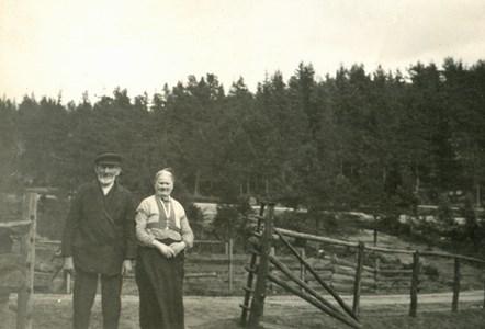 Mörtsjöbro Karl Henriksson med hustru Britta Kristina