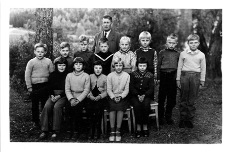 14-03-1957-58-Kronan-Skolfoto-01-Klass 3-4-01.jpg