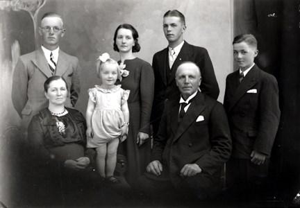 44-14-01-Östra Fösked-Kullen-Familj-Anders Persson 1939-01
