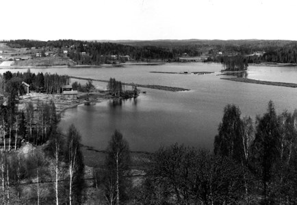 15-07-00-Kyrkan-Stommen-Skutboudden-03-Utsikt över Skutboudden ca 1955.jpg