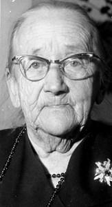 37-16-01-1875 Anna Andersson-01-Anna på Hagalund 80 år.jpg