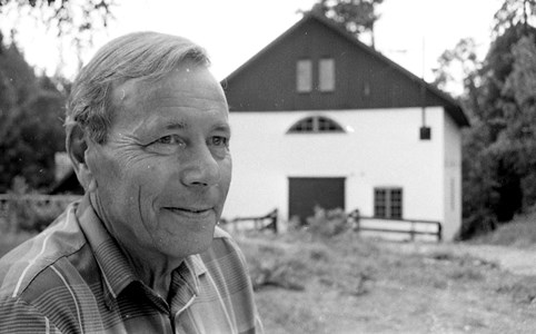 02-09-00-Brunsberg Kvarnen-18-Agne Nilsson vid kvarnen.jpg