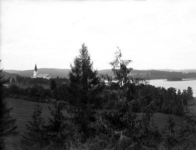 60-03-G-DE-56-Vy över Vikeneviken fr Berga.jpg