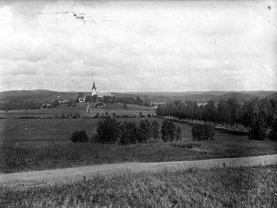 60-03-G-DE-58-Brunskogs kyrka o Bergaallen.jpg