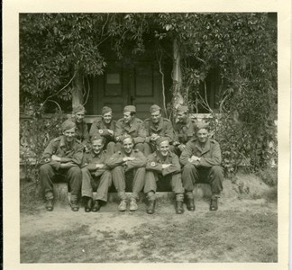 37-15-00-Vikene-Haga-22-Militärer på Hagga.jpg