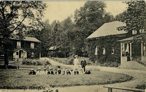 46-02-Vykort-Brunsberg-07-Herrgården 1906.jpg