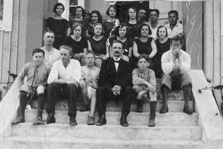 17-230-10-Lerhol-Logen Thorsborg-Gymnastik-01-Grupp 1920-tal.jpg
