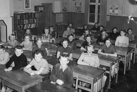 34-02-1954-55-Takene-Skolfoton-02.jpg