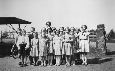 34-02-1952-Takene-Skolfoton-02-Klass 1-2.jpg