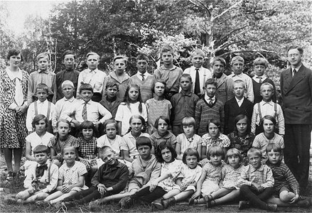 37-05-1931-Vikene-Ga Skolfoton-01