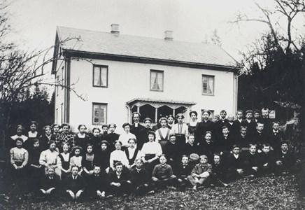15-02-1910 ca-01-Kyrkan-Konfirmation