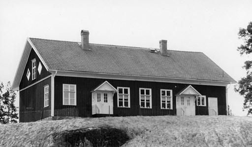 37-03-00-Vikene-Ga Skolan-01