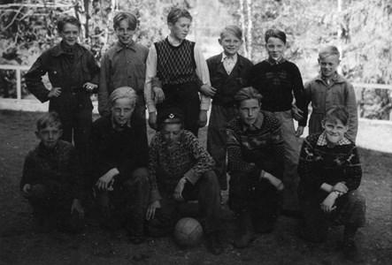 37-03-01-Vikene-Ga Skolan-18-Pojklag fotboll.jpg