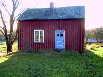 04-175-00-Byn-Tomta-02-Lillstuga.jpg