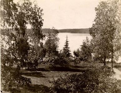 42-03-00-Årnäs-Herrgården-08-Utsikt från Årnäs 1909.jpg