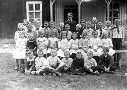 29-02-1920-St Skärmnäs-Skolfoto-01