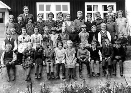 37-05-1937-Vikene-Ga Skolfoton-02