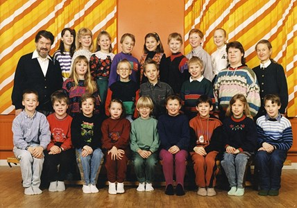 37-05-1991-92-Vikene-Ga Skolfoton-01