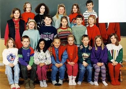 37-05-1993-94-Vikene-Ga Skolfoton-01