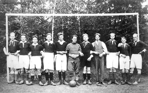 29-01-00-St Skärmnäs-07-Fotbollslag 1930-31