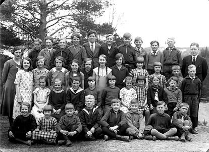 37-05-1932-33-Vikene-Ga Skolfoton-01