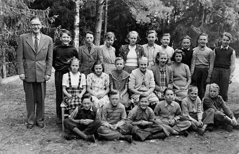 37-05-1949 ca-Vikene-Ga Skolfoton-01