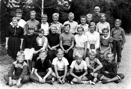 37-05-1951-Vikene-Ga Skolfoton-01