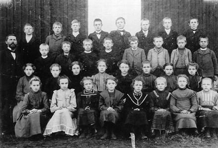 34-02-1905 ca-Takene-Skolfoton-01